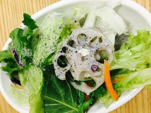 다른 식품에 비해 무기질이 풍부하고 칼슘이 많아 골다공증에 튀겨 만든 '청파래까스'를 08월 01일 월요일 석식에 제공해드렸습니다.