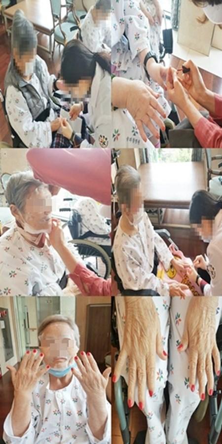 어르신들의 손톱을 관리해 손 위생과 감염예방을 하며 마스크팩으로 마사지를 해드리며 피부관리도 받고 계신 모습입니다~