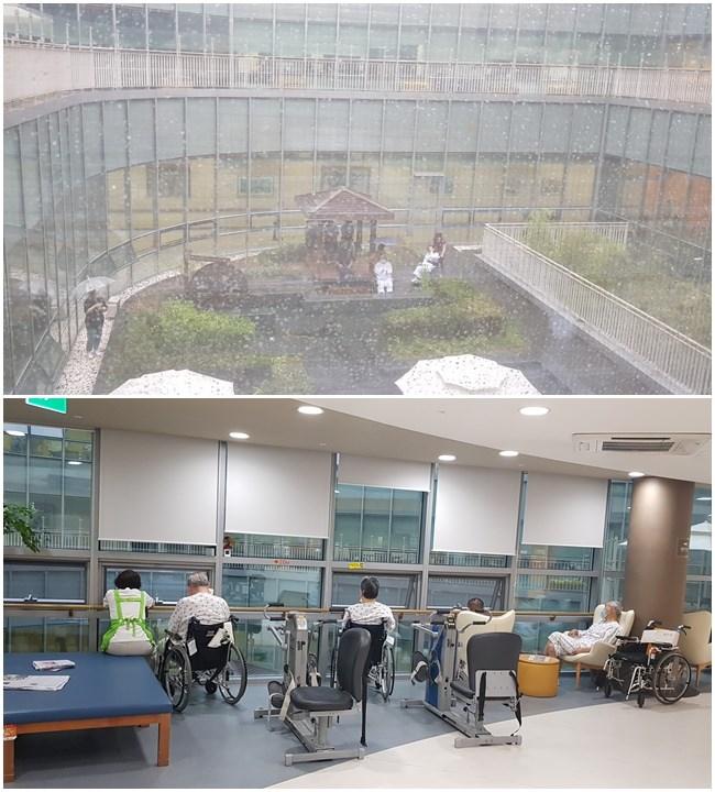 환자와 간병보호자들이 중정 힐링콘서트를 즐기기 위해 각 층 발코니와 병동 창가에서 공연을 보고 계십니다