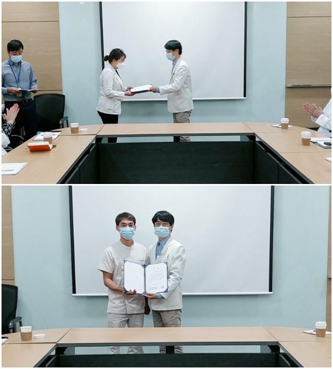 이달의 친절부서상은 진료부에서 수상하였고 이달의 친절직원상은 재활치료부 2팀 팀장님이 수상하였습니다. 의료원장님께서 시상하셨습니다
